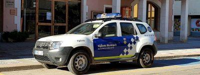 Plaça Vigilant Municipal la Cellera de Ter, policia, dacia duster ajuntament 2020-11-23 (2)